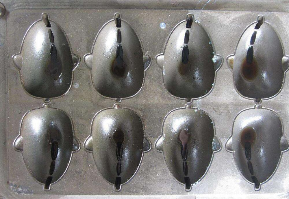 Manufacturing method of silicon rubber mould
